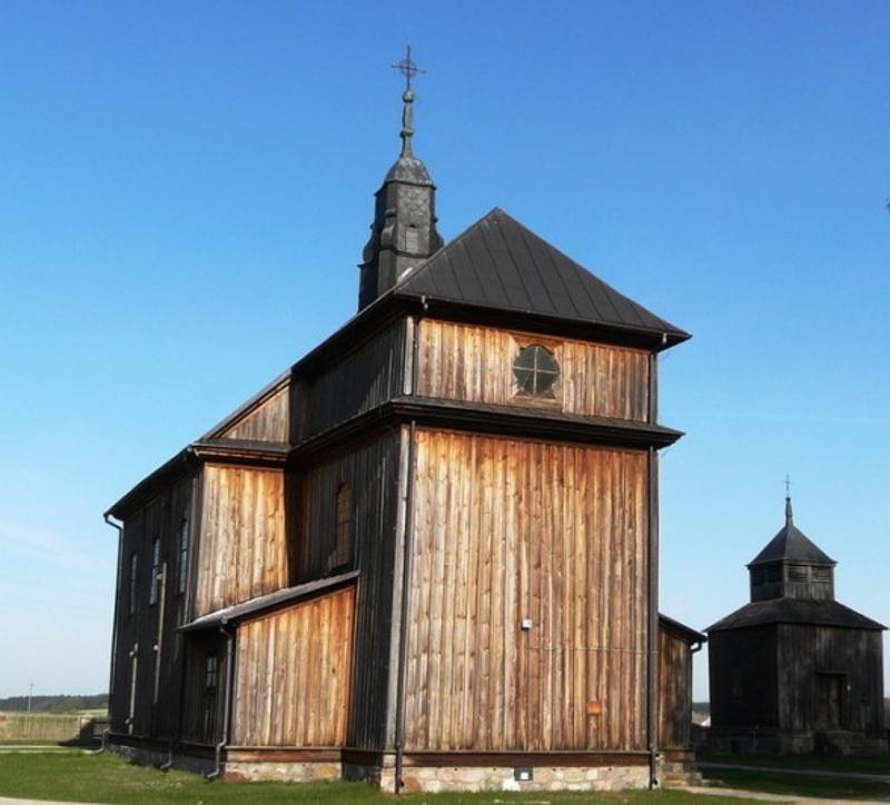 Zabytkowy Kościół  PW Narodzenia NMP w Ciborach-Kołaczkach